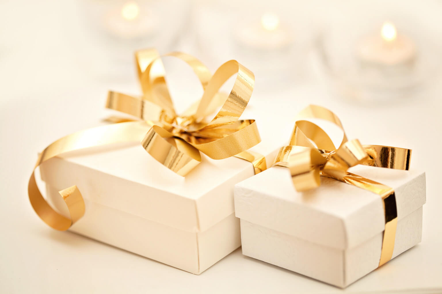 Truly S Guide To Choosing The Right Wedding Gift Truly