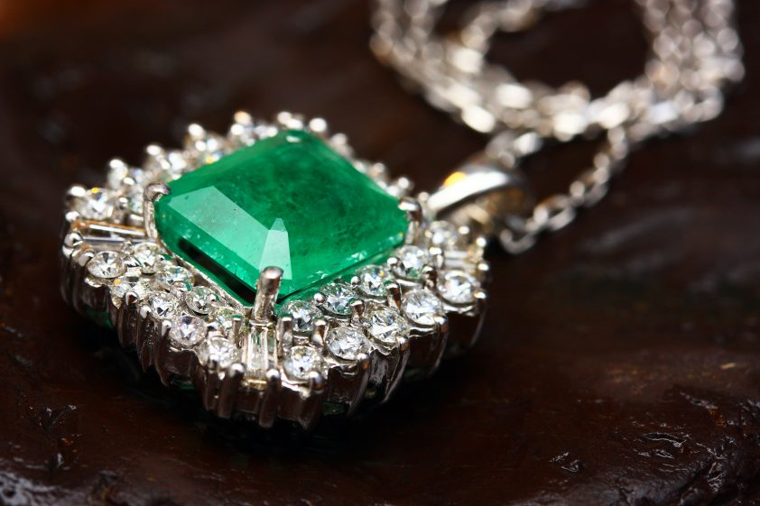 Emerald necklace for 20th anniversary gifts