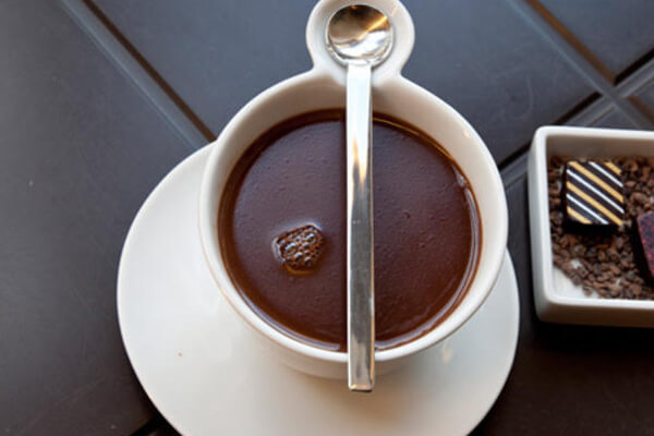 artisan-drinking-chocolat