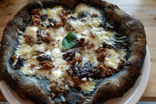 charcoal pizza zia lucia