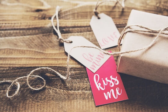 What Are The Traditional Wedding Anniversary Gifts By Year Truly