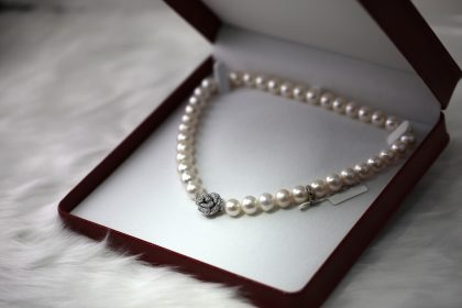 Pearl necklace for 30th wedding anniversary present