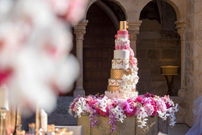 Statement Wedding Cake
