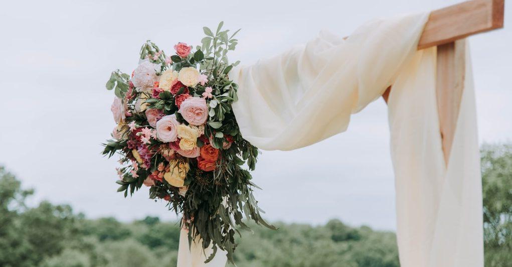 9 Alternative Wedding Themes