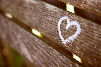 Heart painted on a wooden bench