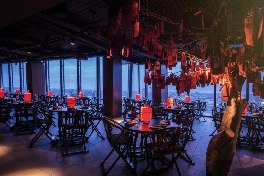 Hutong Beijing tree at dusk
