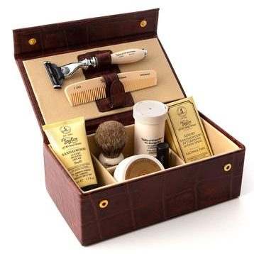 Luxury Sandalwood Grooming Box in Brown Leather