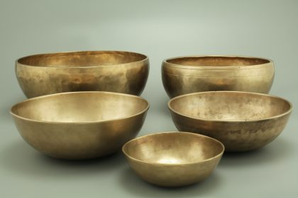 Singing bowls made of bronze