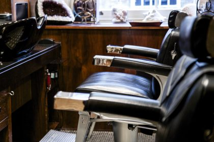 60 birthday gifts for men - grooming parlour at Alfred Dunhill