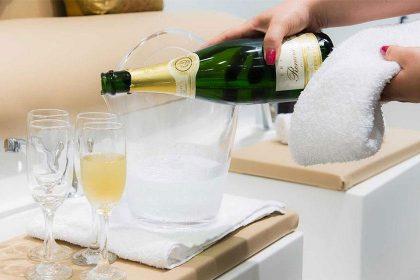 Champagne pedicure