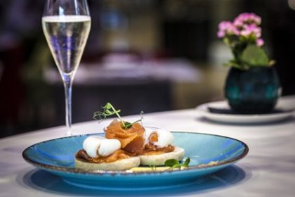 Prosecco Bottomless brunch at Hotel Xenia