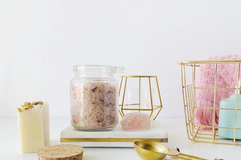 Indulgent bath kit with bath salt for DIY Christmas gift