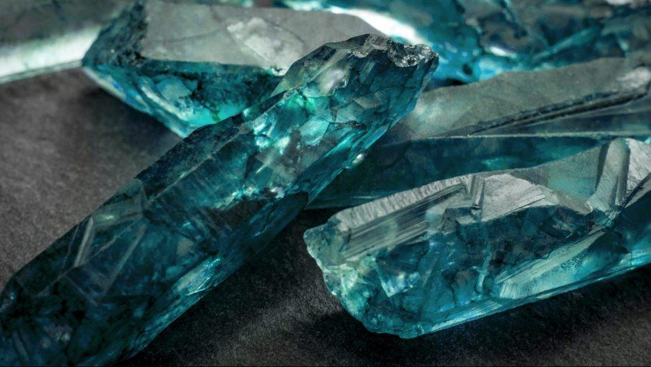 Blue uncut aquamarine crystals