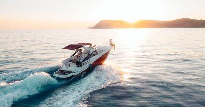 Luxury lifestyle yacht