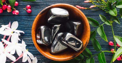bowl of hematite stones