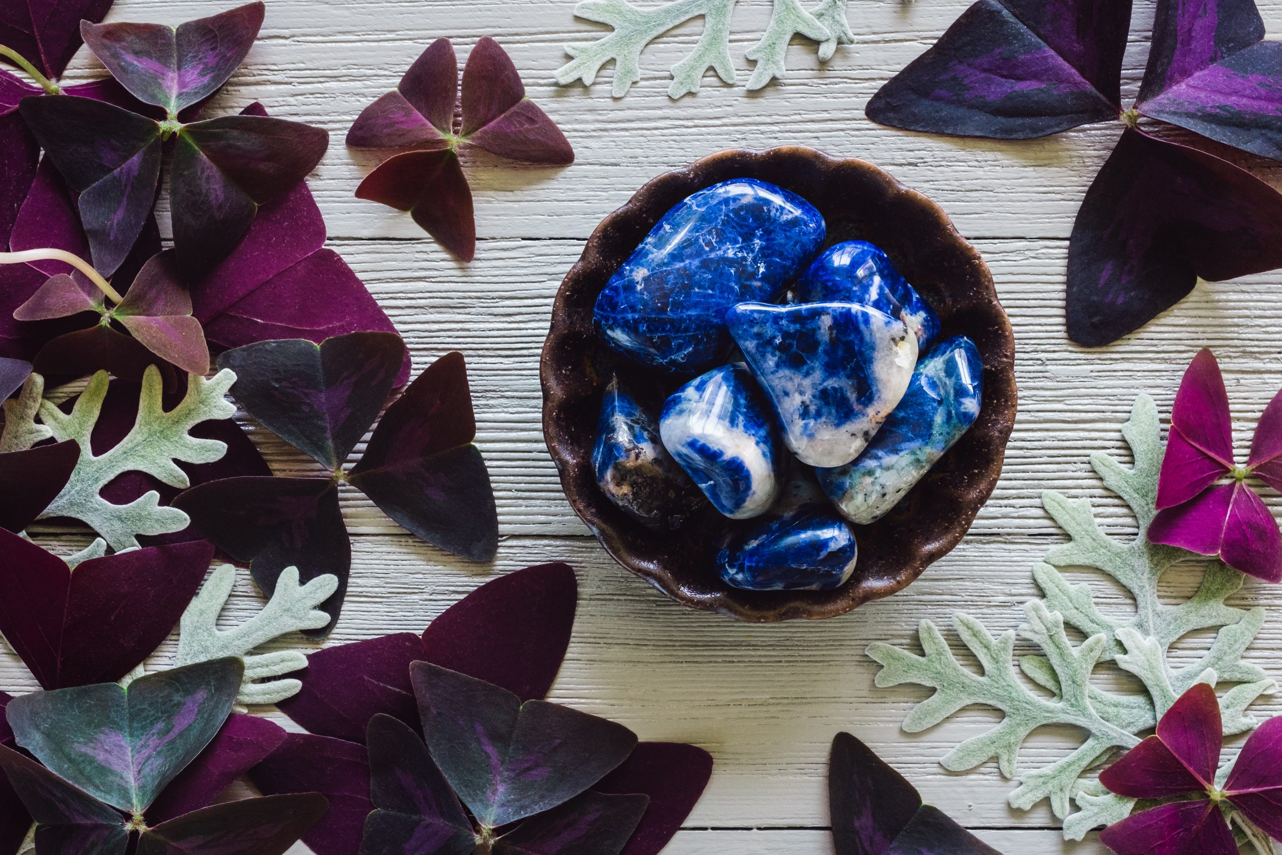 sodalite stones in bowl