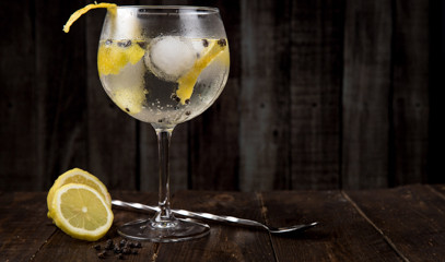Tipsy In Tartan: Gin Tasting Tour For Two In Edinburgh