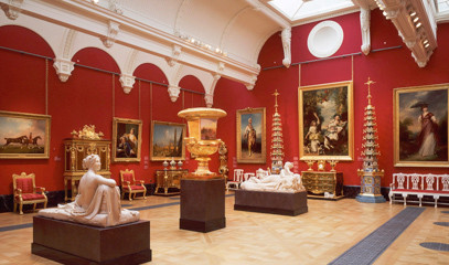 Arty Monarchy: Buckingham Palace Queen's Gallery Tour With Michelin-Starred Lunch For Two