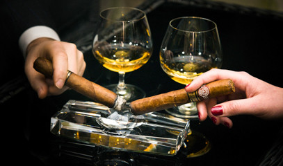 Deluxe Duo: Cigar And Whisky Pairing For Two At Hotel Xenia, Autograph Collection