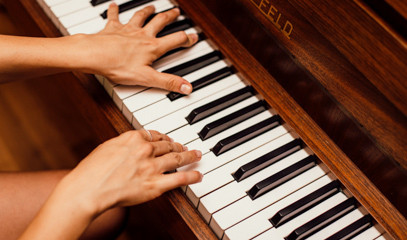 Elegant Ivories: Ten Private Piano Lessons For One At The London Piano Institute
