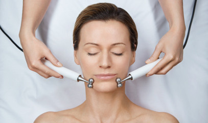 Face With Space: No-Touch Facial For One At The House Of Elemis