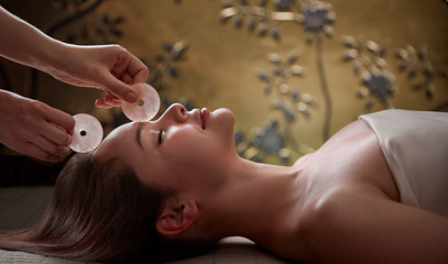 Gracious Glow: 90-Minute Ultimate Defining Facial For One At The Spa At Mandarin Oriental