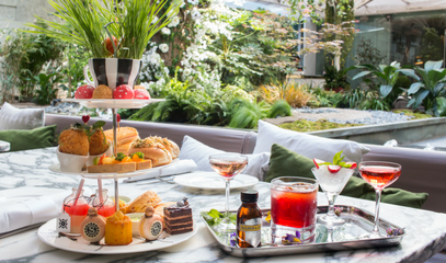 Down The Rabbit Hole: Mad Hatters Tipsy Evening Tea For Two at the Five-Star Sanderson Hotel