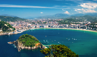 Dining in Donostia: Exclusive Michelin-starred Foodie Getaway for Two in San Sebastián