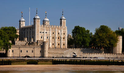 Tale of Two Towers: Tower of London Tour and Elegant Riverside Lunch for Two