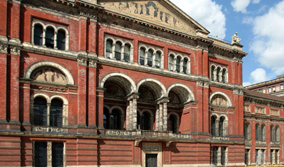 Art, Design and Dining: Private V&A Museum Tour with Michelin-Starred Dining for Two