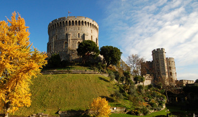 Royal County: Windsor Castle Tour with award-winning Afternoon Tea for Two